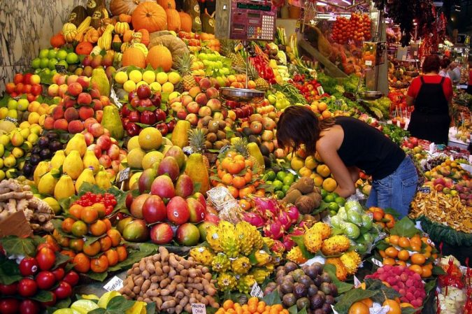 fruits-Philippines-new-year-traditions-675x449 New Year around the World.. One Event, Various Traditions