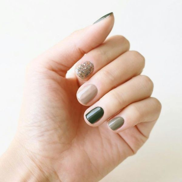 glitter-nail-art-ideas-116 11 Tips on Mixing Antique and Modern Décor Styles