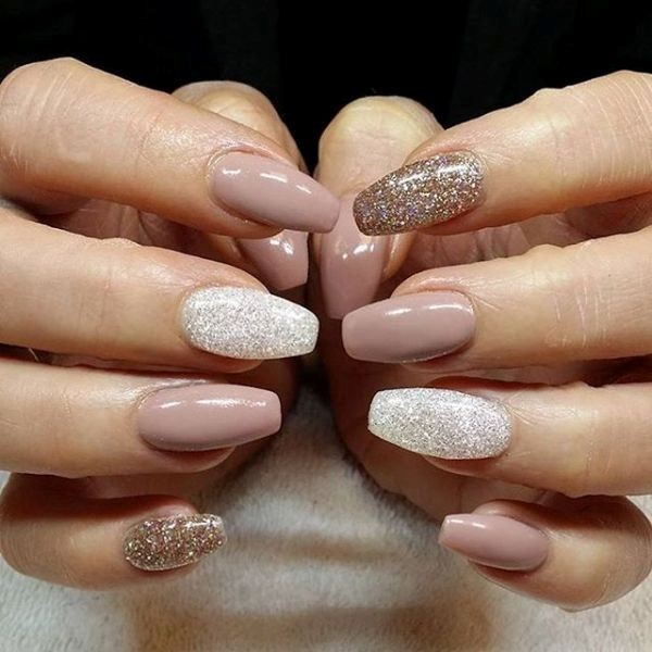 glitter-nail-art-ideas-121 89+ Glitter Nail Art Designs for Shiny & Sparkly Nails