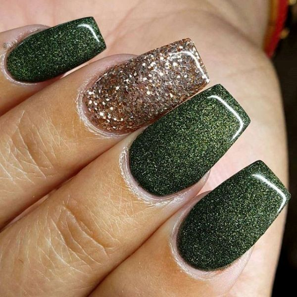 glitter-nail-art-ideas-135 89+ Glitter Nail Art Designs for Shiny & Sparkly Nails
