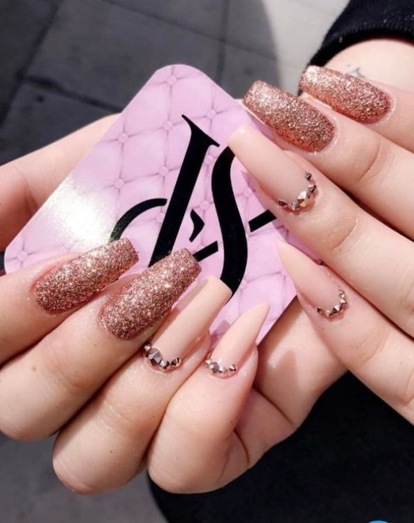 glitter-nail-art-ideas-76 89+ Glitter Nail Art Designs for Shiny & Sparkly Nails