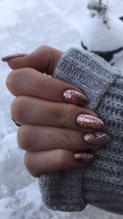 glitter-nail-art-ideas-8 89+ Glitter Nail Art Designs for Shiny & Sparkly Nails