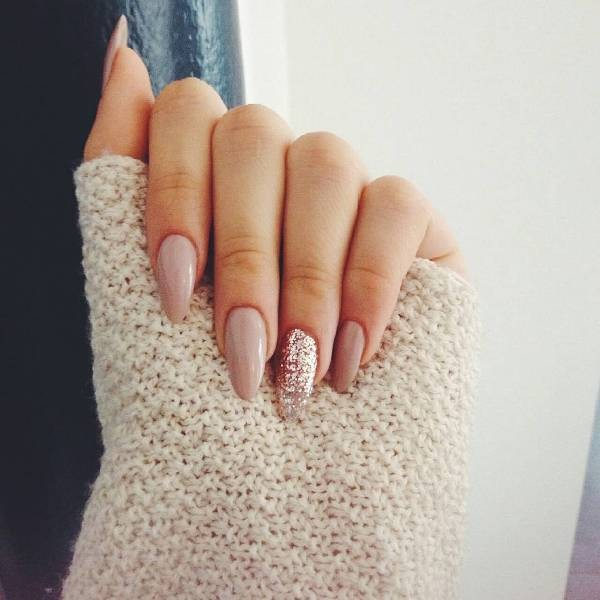 glitter-nail-art-ideas-90 89+ Glitter Nail Art Designs for Shiny & Sparkly Nails