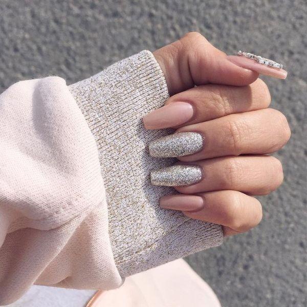 glitter-nail-art-ideas-98 89+ Glitter Nail Art Designs for Shiny & Sparkly Nails