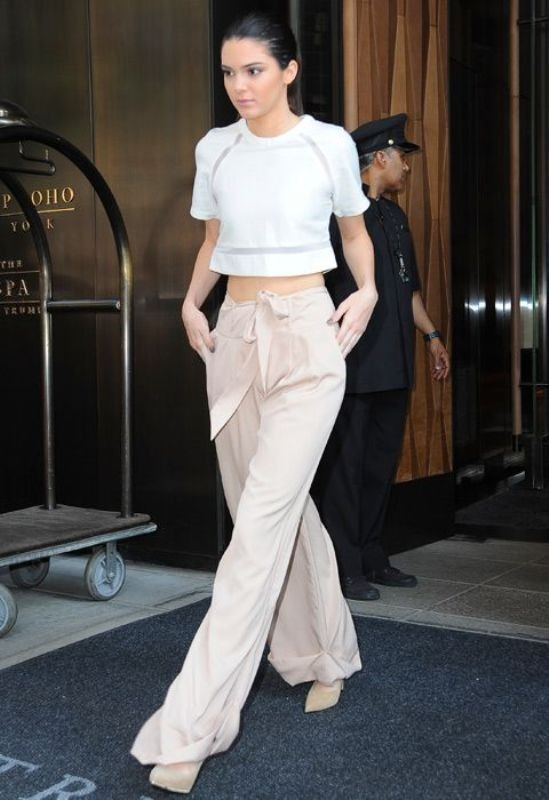 high-waist-trousers-for-school-5 10+ Cool Back-to-School Outfit Ideas for 2018
