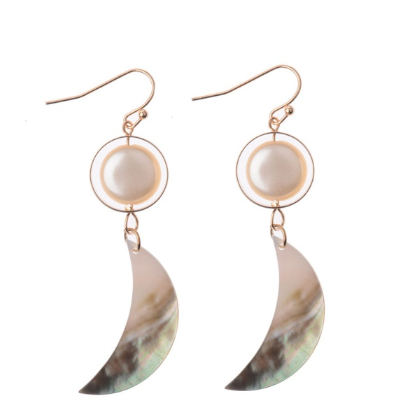 image010 20 Hottest Earring Trends for Women in 2020