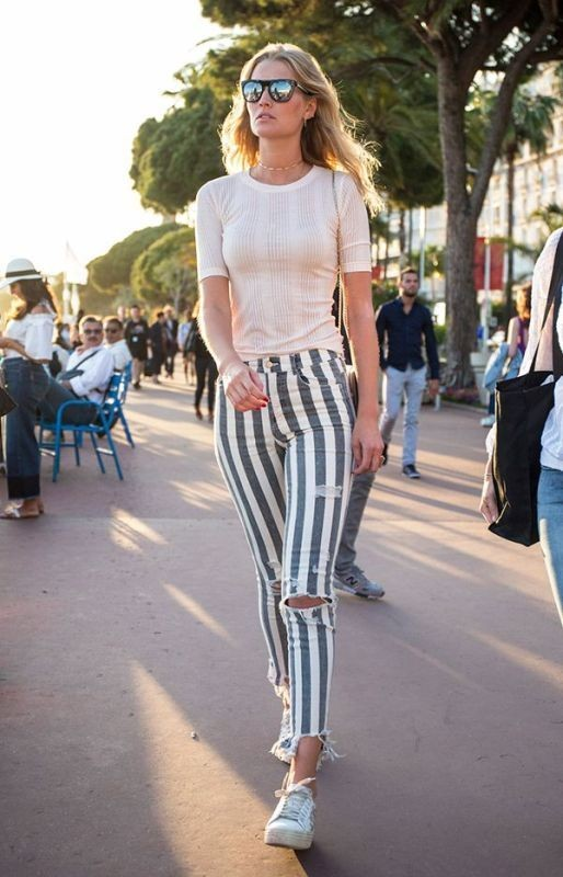 jeans-for-school-11 10+ Cool Back-to-School Outfit Ideas for 2020