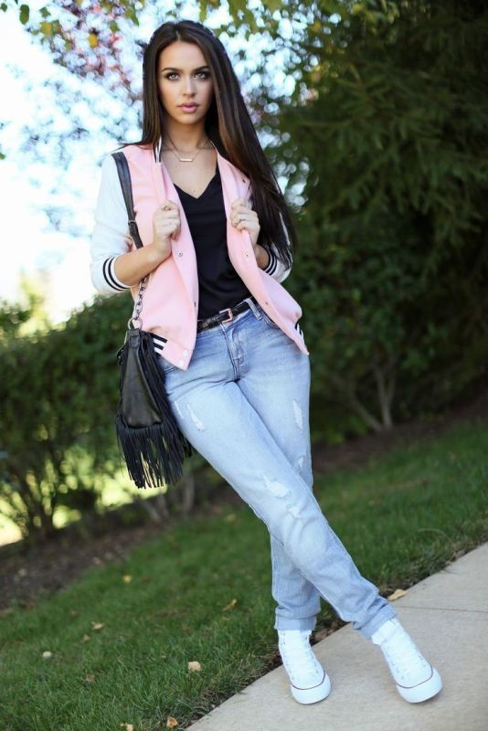 jeans-for-school-20 10+ Cool Back-to-School Outfit Ideas for 2020