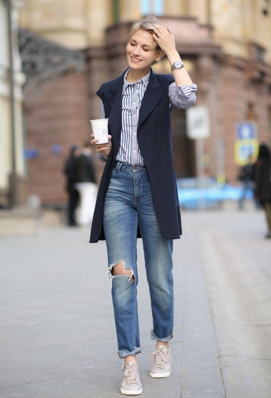 jeans-for-school-24 10+ Cool Back-to-School Outfit Ideas for 2020