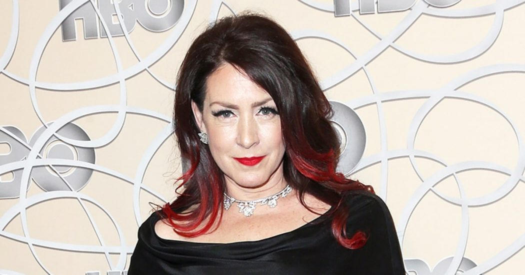 joely-fisher-brunette-crimson-hairstyle Complete Guide to Guest Blogging and Outreach