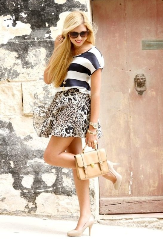 mixed-prints-for-school-8 10+ Cool Back-to-School Outfit Ideas for 2020