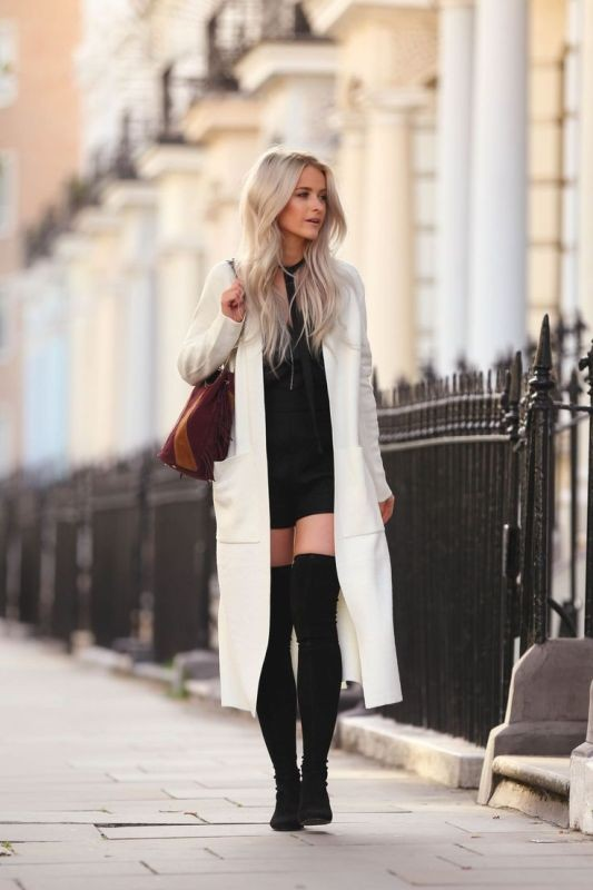 monochrome-look-for-school-10 10+ Cool Back-to-School Outfit Ideas for 2020