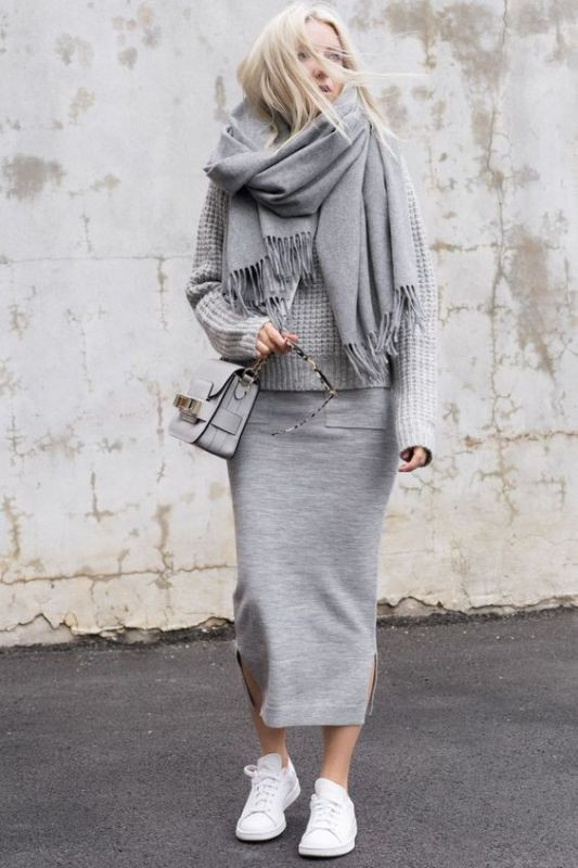 monochrome-look-for-school-7 10+ Cool Back-to-School Outfit Ideas for 2020