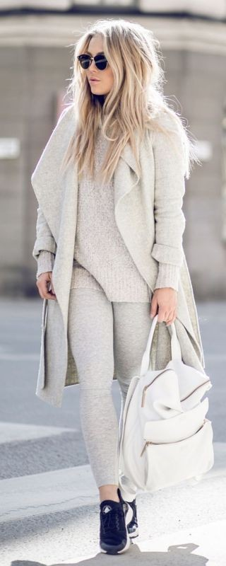monochrome-look-for-school 10+ Cool Back-to-School Outfit Ideas for 2018
