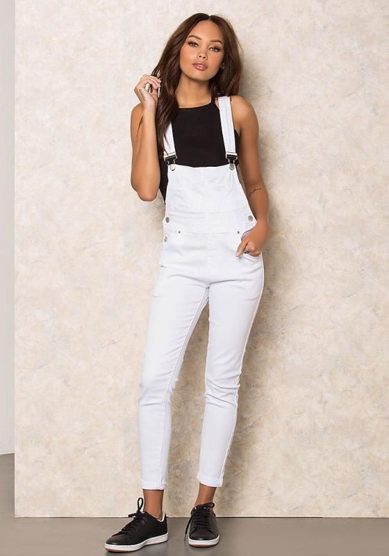 overalls-for-school-18 10+ Cool Back-to-School Outfit Ideas for 2018