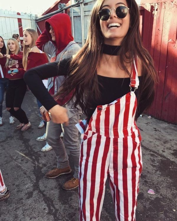 overalls-for-school-24 10+ Cool Back-to-School Outfit Ideas for 2018