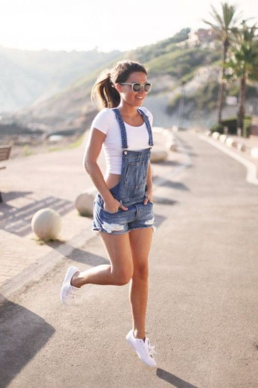 overalls-for-school-5 10+ Cool Back-to-School Outfit Ideas for 2020