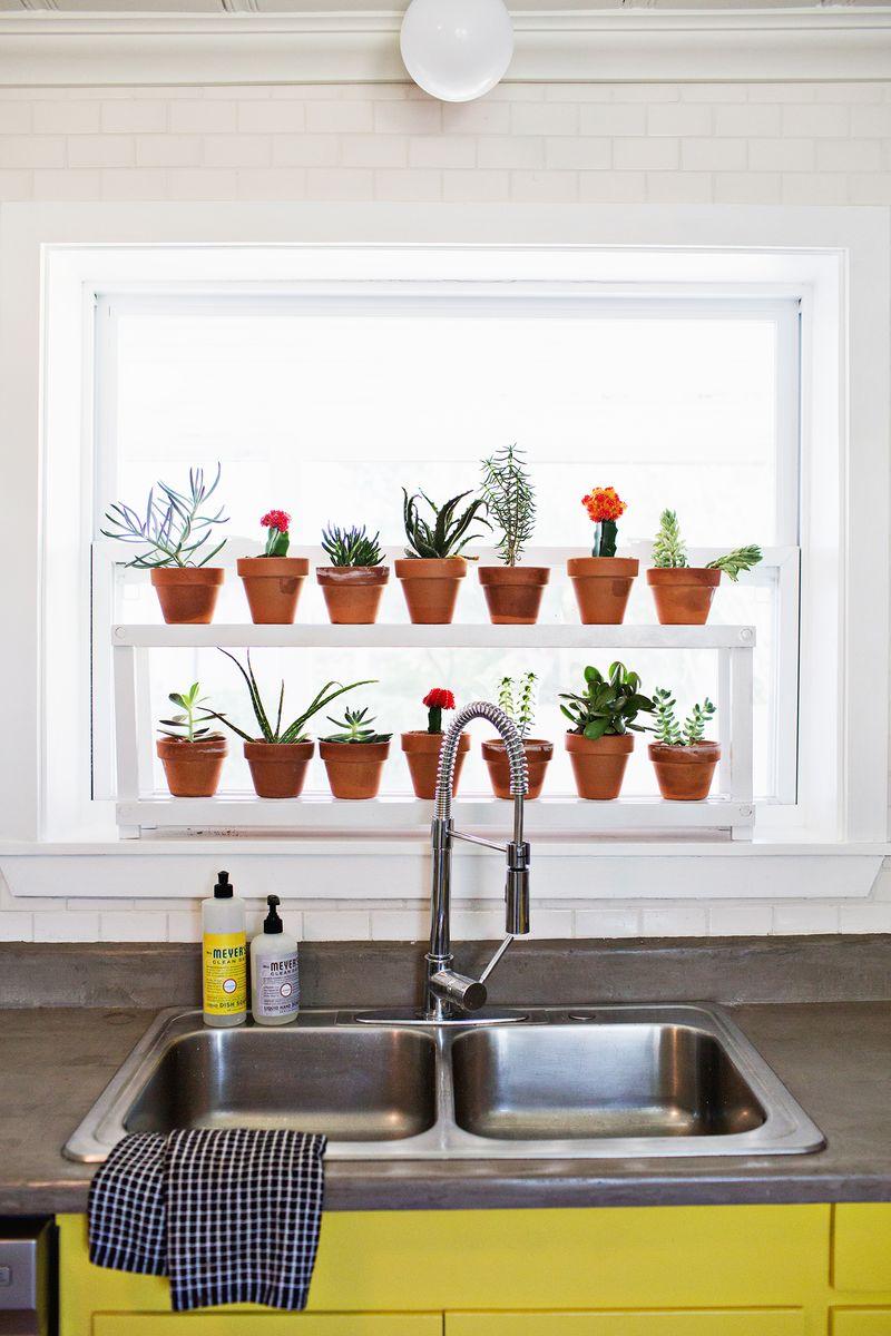 shelf-window_designrulz-2 Great Ways to Make Your Dream Green Kitchen
