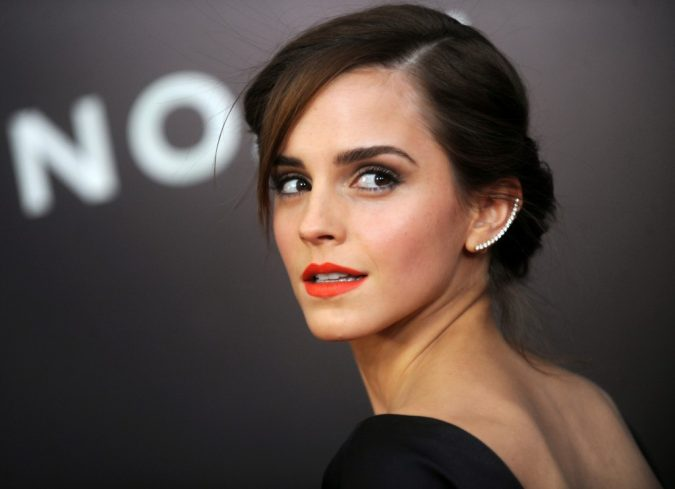 side-sweapt-bang-emma-watson-2017-4k-image-1024x742-675x489 16 Celebrity Hottest Hair Trends for Summer 2017