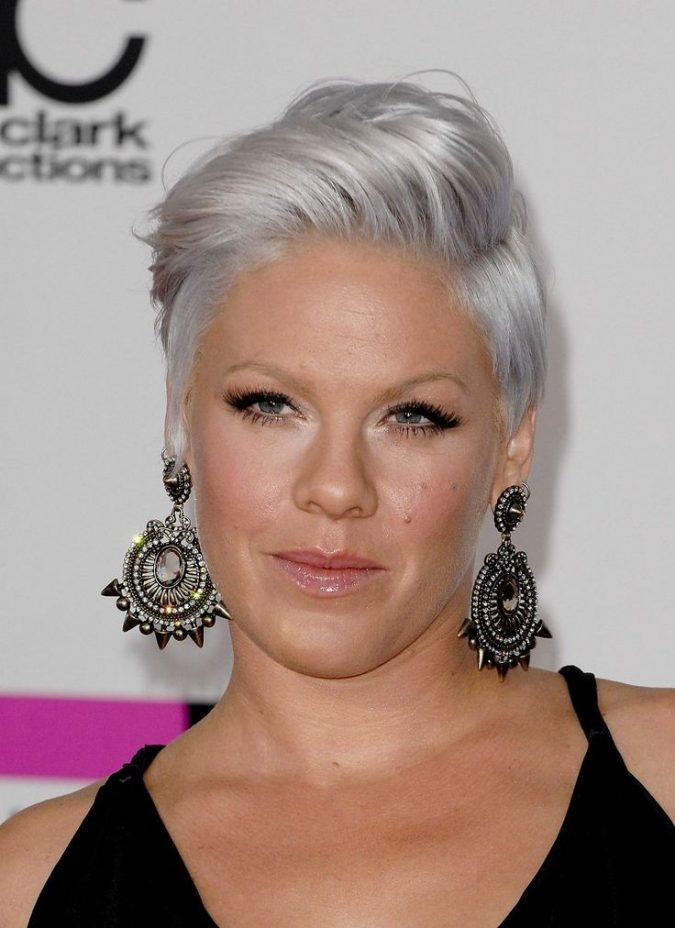 silver-hair-2-675x928 16 Celebrity Hottest Hair Trends for Summer 2017