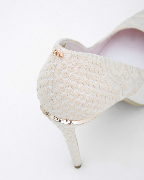white-wedding-shoes-103 83+ Most Fabulous White Wedding Shoes in 2020