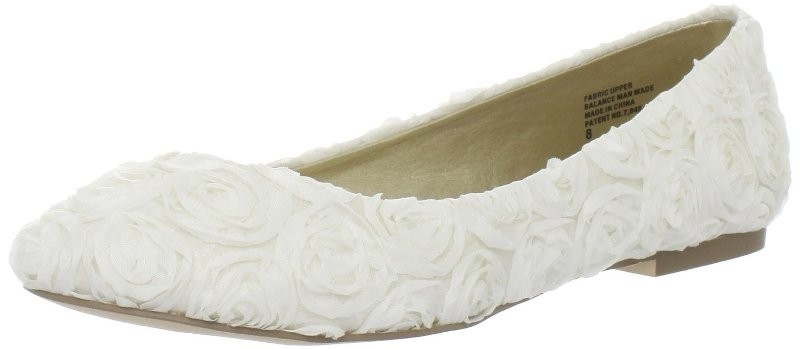 white-wedding-shoes-120 83+ Most Fabulous White Wedding Shoes in 2021