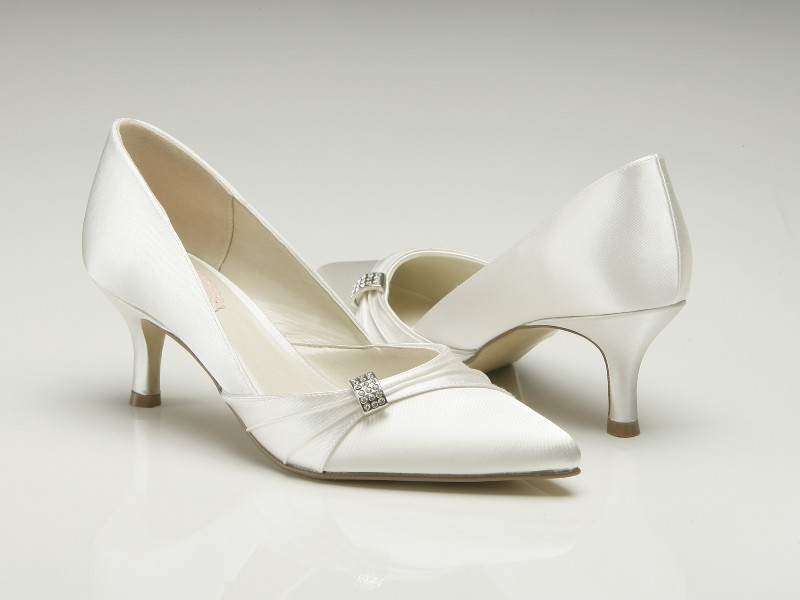 white-wedding-shoes-132 83+ Most Fabulous White Wedding Shoes in 2018