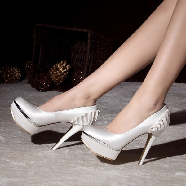 white-wedding-shoes-87 83+ Most Fabulous White Wedding Shoes in 2021