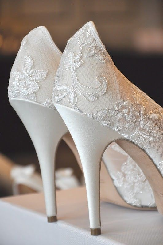 white-wedding-shoes-9 83+ Most Fabulous White Wedding Shoes in 2020