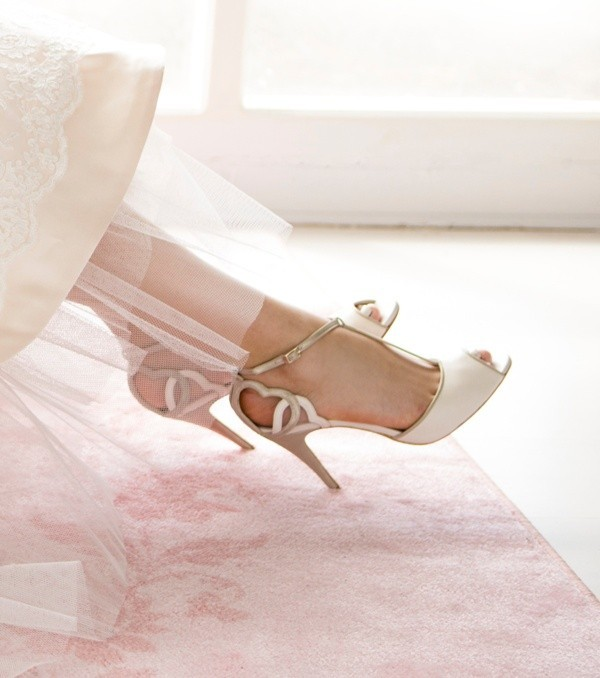 white-wedding-shoes-97 83+ Most Fabulous White Wedding Shoes in 2020