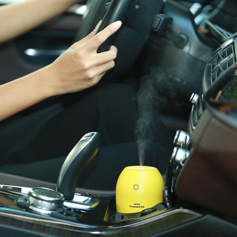 -Мини-Автомобиль-Увлажнитель-180-мл-USB-Освежитель-Воздуха-Очиститель-Воздуха-со-СВЕТОДИОДНОЙ-Лампы-Ароматерапия-Диффузор 5 Common Car Smells.. and How to Remove Them?
