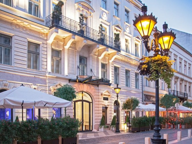 Aria-Hotel-Budapest-675x506 The 8 Most Luxurious Hotels in the World