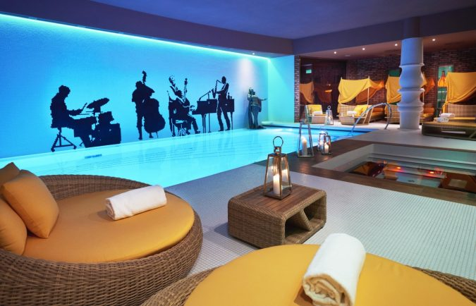 Aria-Hotel-The-jazz-wing-675x434 The 8 Most Luxurious Hotels in the World