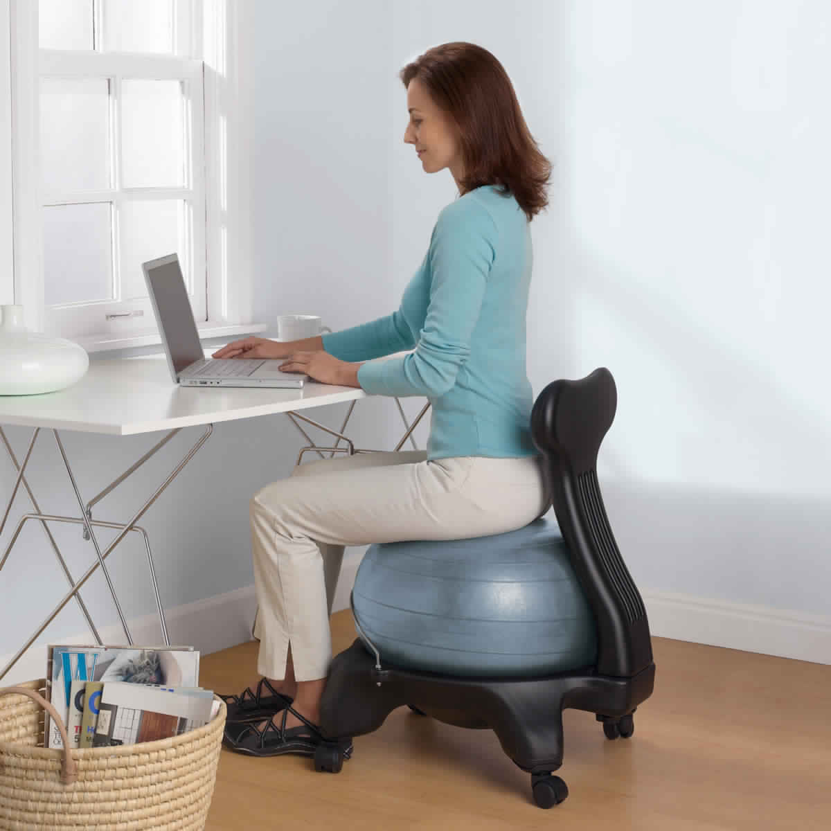 Pleasant Benefits Of Using Yoga Ball Chair For Your Home Or Office Ocoug Best Dining Table And Chair Ideas Images Ocougorg