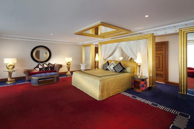 Bourj-Al-Arab-jumeirah-3-675x450 The 8 Most Luxurious Hotels in the World