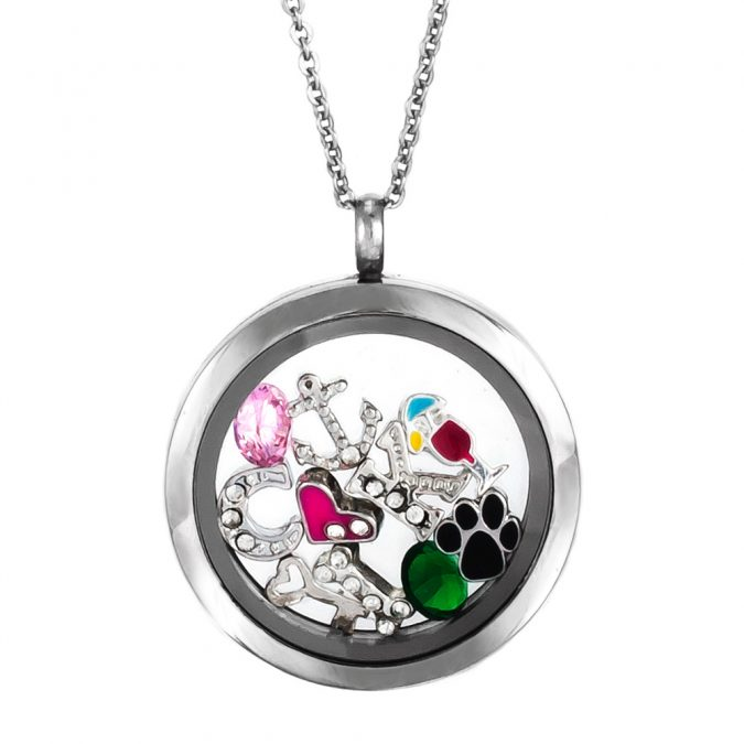 Charm-necklace-675x675 Top 20 Newest Eyelashes Beauty Trends in 2019