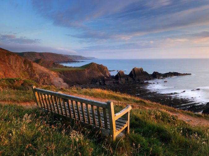 Devon-England-675x506 20 Places to Explore for an Enchanting Holiday