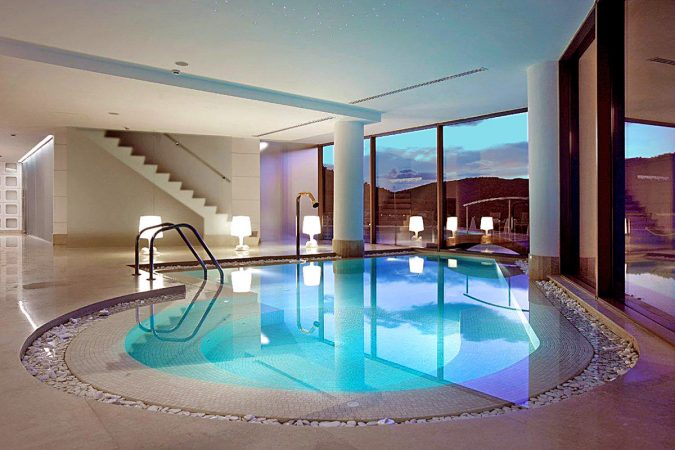 Lindos-blu-hotel-675x450 The 8 Most Luxurious Hotels in the World