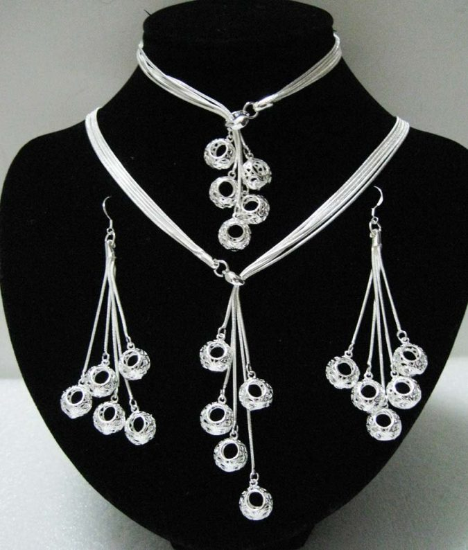 Silver-jewlery-675x794 18 New Jewelry Trends for This Summer