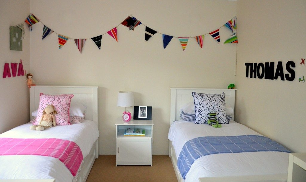 Unisex-bedroom-d¬cor-1024x611 Top 10 Exclusive Tips to Decorate Your Kids Room