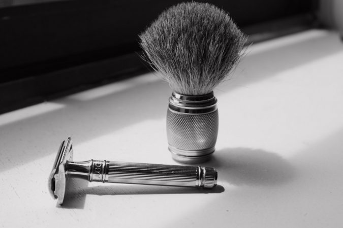 clean-and-sharp-razor-675x450 how to Avoid and Soothe Adios razor burns!