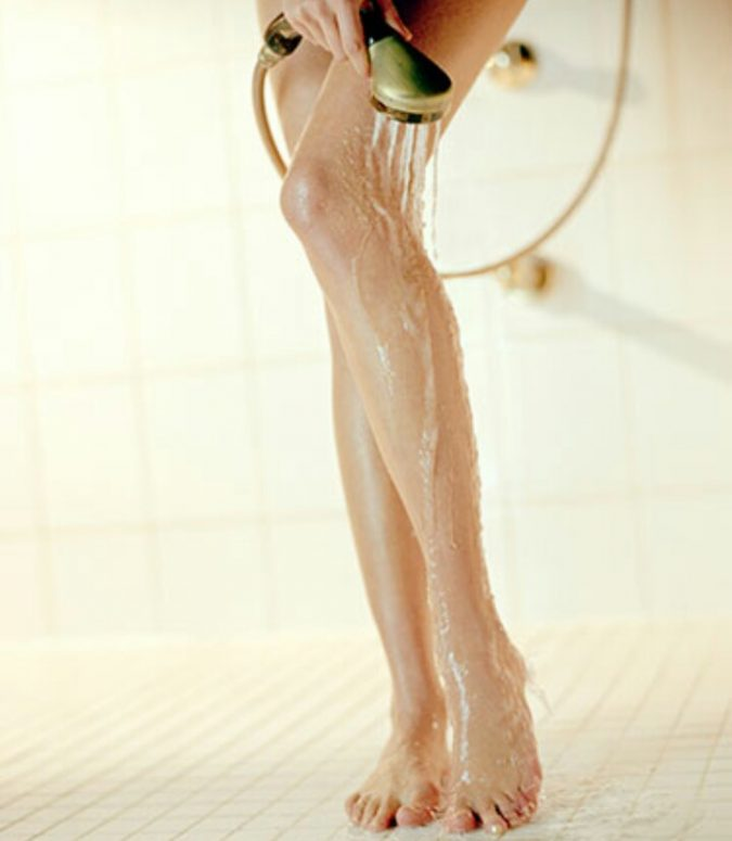 cleaning-skin-showering-675x775 how to Avoid and Soothe Adios razor burns!