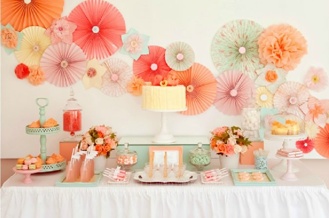 home-party-hanging-decorations-2-675x448 16 Creative Ideas for Hosting Party in Small Spaces