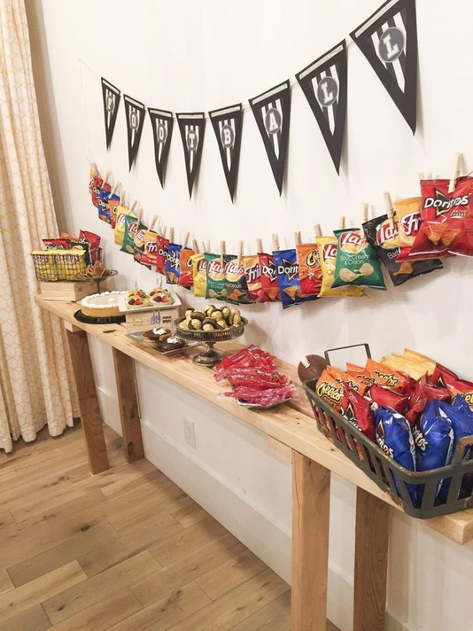 home-party-snacks-675x900 16 Creative Ideas for Hosting Party in Small Spaces