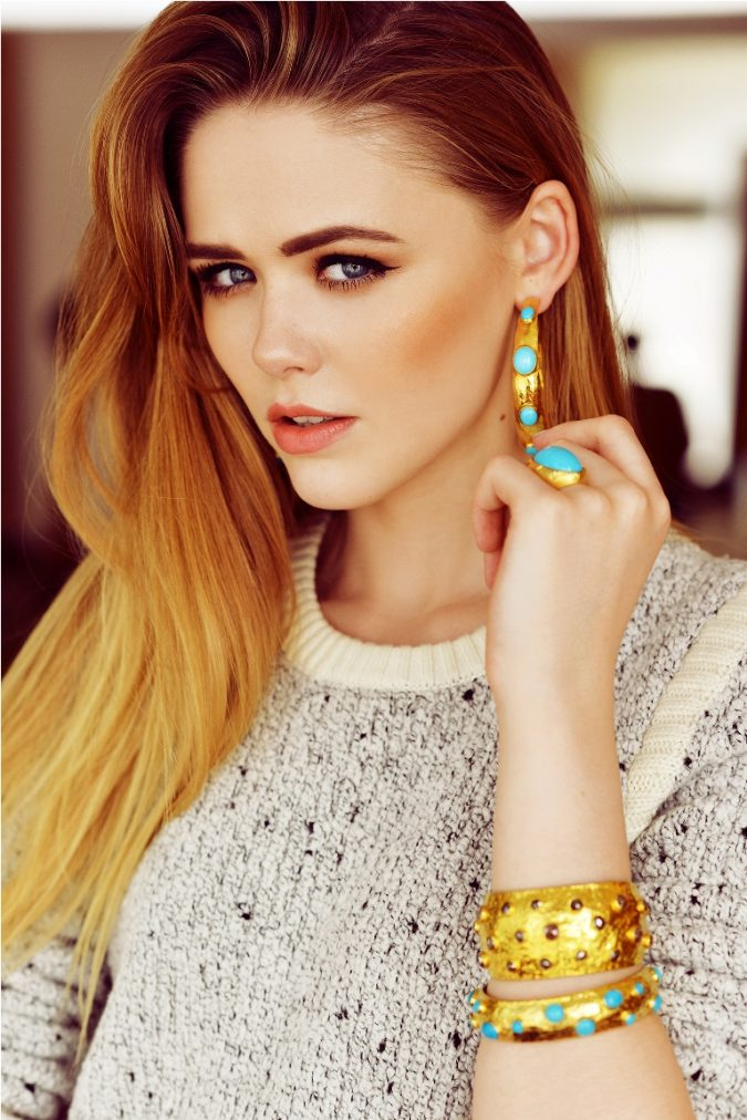 hoop-earrings-with-chunky-bangles-675x1012 18 New Jewelry Trends for This Summer