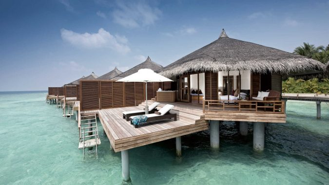 maldives-675x380 20 Places to Explore for an Enchanting Holiday