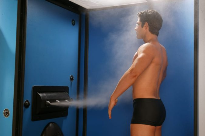 male-spraytanning-675x449 10 Safe Ways to Get Summertime Tanned Easily