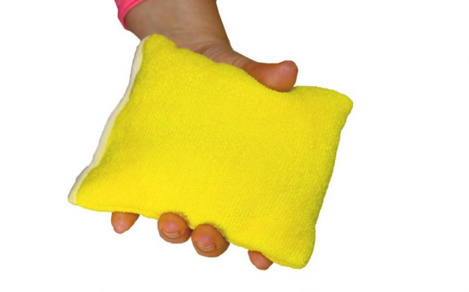 microfiber-sponge-in-hand-675x420 10 Fastest Ways to Get Rid of Deodorant Marks