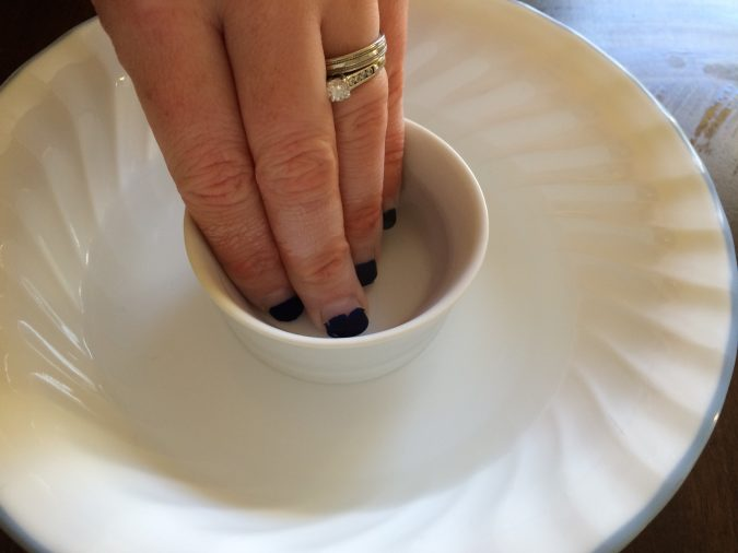 removing-gel-manicure-675x506 Most Efficient Ways to Remove Gel Manicure at Home!