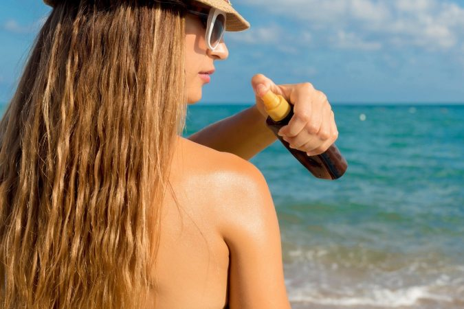 using-tanning-oil-675x450 10 Safe Ways to Get Summertime Tanned Easily